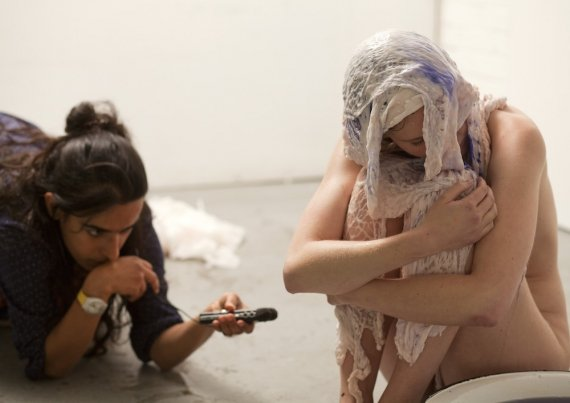 Image_from_a_Transformance_session_with_Hollie_Miller_Pictured_Tara_Fatehi_Irani_and_Hollie_Miller_Photo_by_Holly_Revell_570_403
